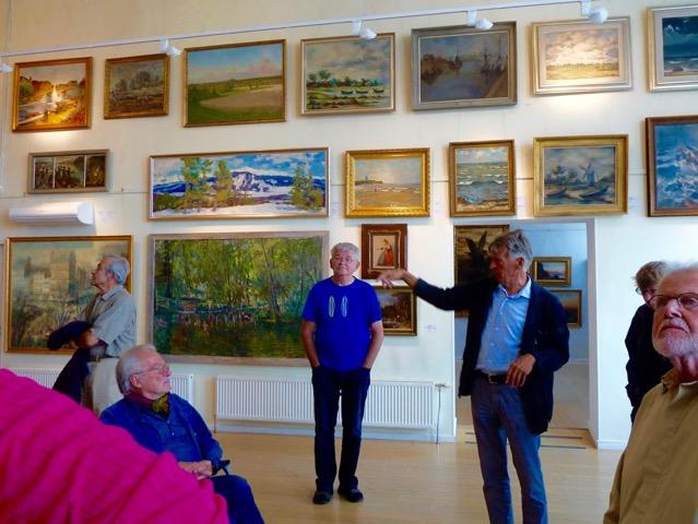 Konstsamlingen består av estnisk konst från 1800-talet och fram till idag. Den utökas ständigt och består av drygt 10 000 verk uppvisade i ständigt nya tillbyggnader.